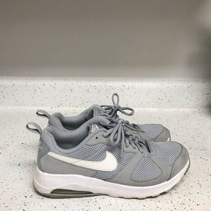 Nike air gray white mens sneakers sz 8